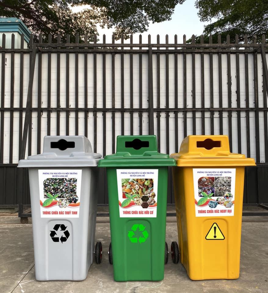 thùng rác phân loại có nhiều màu sắc để lựa chọn